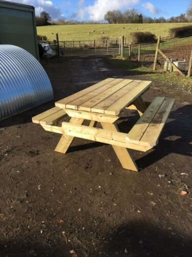 PICNIC TABLE PUB BENCH SOILD TIMBER
