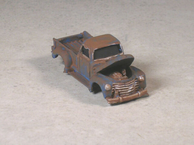 HO Scale Orange /& Red Rusted Out 1955 Chevy Stock Car # 5