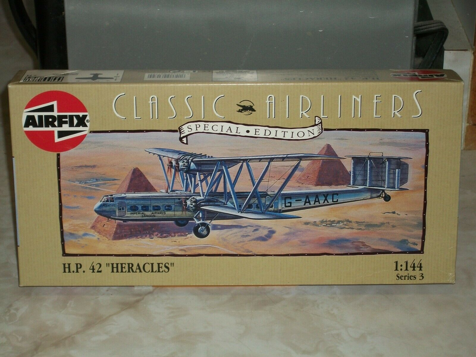 Airfix 1 144 Scale Handley page H.P. 42  Heracles
