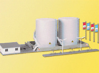 Kibri # 37467 Twin Fuel Tanks w Loading Facility N Scale MIB Toys
