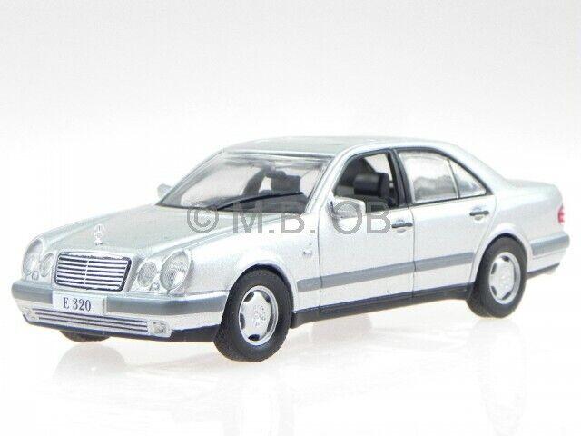 Mercedes W210 E-clase E 320 1995 plata coche en miniatura Altaya 1:43