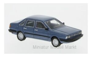 87486-Bos-models-VW-Santana-metallico-BLU-1982-1-87