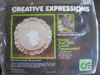 Vintage Creative Expressions 'gift Of Love' Crewel Kit -