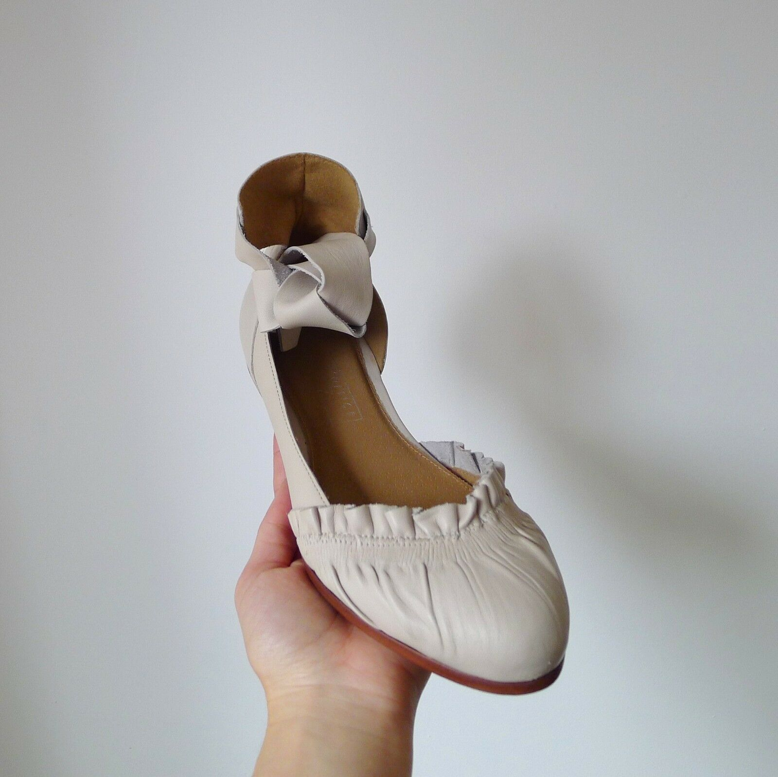 Ufficio color crema avorio Ruffle Balletto Cravatta alla caviglia in pelle flat shoes 4 37 Nuovo con Scatola