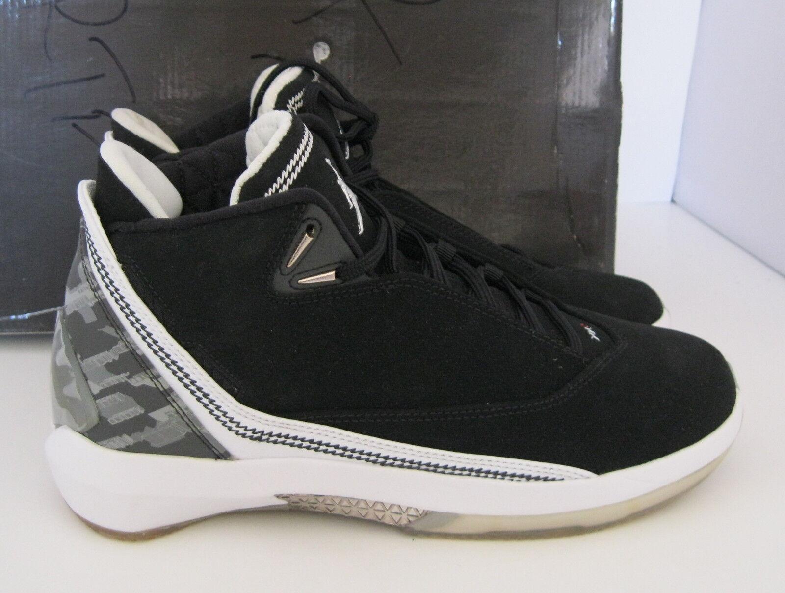 Nike Air Jordan 22 (Gs) 332556 011 Black White YOUTH Size 6 women 7.5