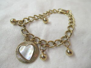 Vintage-gold-tone-Bracelet-with-Heart-shaped-Charm-MOP-insert