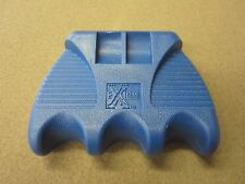 New Extreme Cue Claw Pool Cue Holder Blue 3 Cues w/ FREE Shipping
