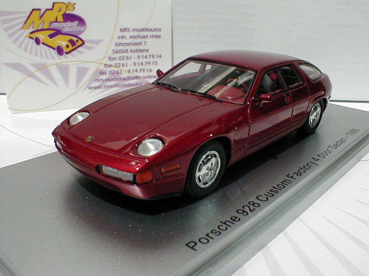 Kess 43024010   PORSCHE 928 4 door Sedan Anno di costruzione 1986 Rosso Scuro-metallico 1:43
