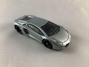 HOT-WHEELS-Premium-IL-CAVALIERE-OSCURO-Lamborghini-Aventador-Nuovo-di-zecca-loose-1-64