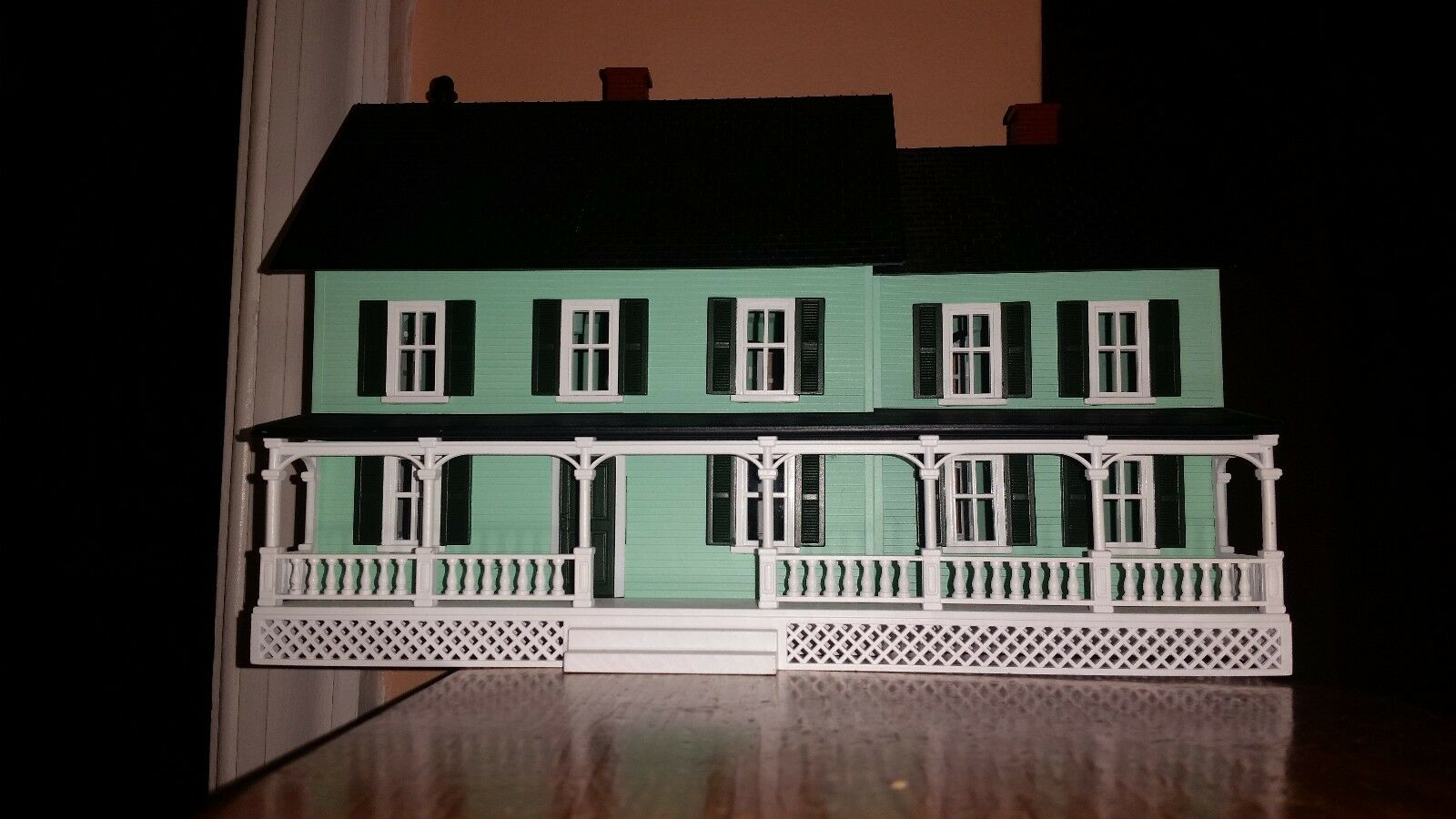 MTH RailKing Country House w Interior Lights, Porch O Scale-Excellent