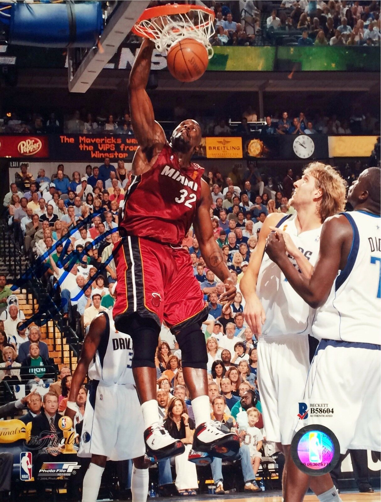 Shaq Shaquille Oneal Signed Autographed Miami Heat 8x10 BAS Beckett B 58604