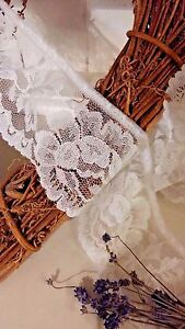 Bows-Ribbon-and-Lace-75mm-3-034-Beautiful-Ivory-Gathered-Frilled-Lace-Trimming