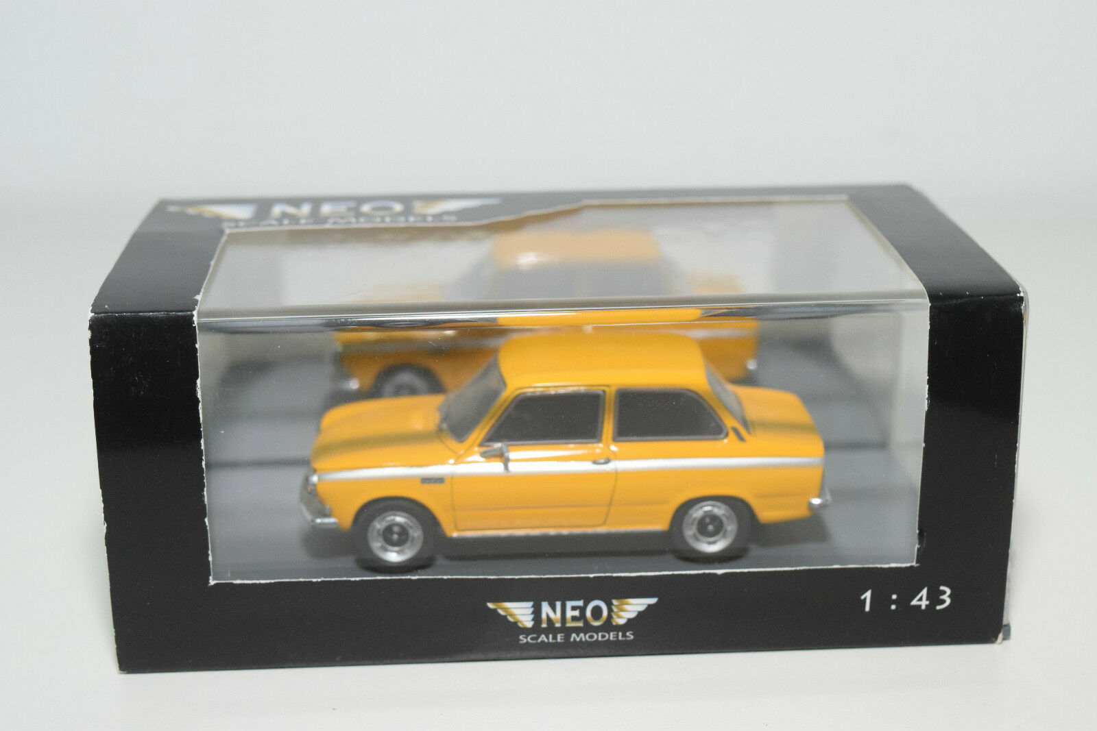 . NEO 43340 DAF 55 MARATHON YELLOW MINT BOXED
