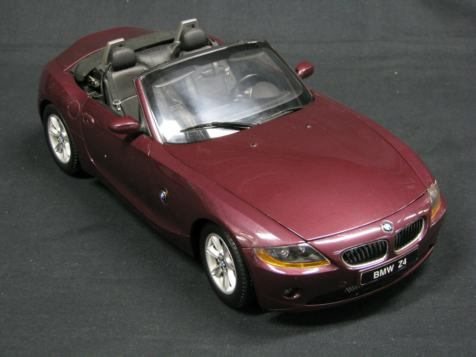 Kyosho BMW Z4 1 12 Metallic rouge