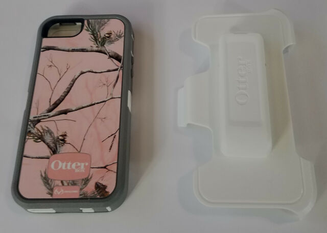 Unused OtterBox Defender Case iPhone 5 / 5S WITH HOLSTER - Realtree Camo Pink