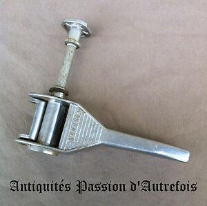 B20151082 - Ancienne Bouchonneuse Sanbri En Aluminium - Très Bon état