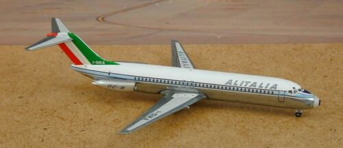 Sovereign SOVAZA16 Alitalia Douglas DC-9-32 I-DIKA 1//400 Diecast Model Airplane