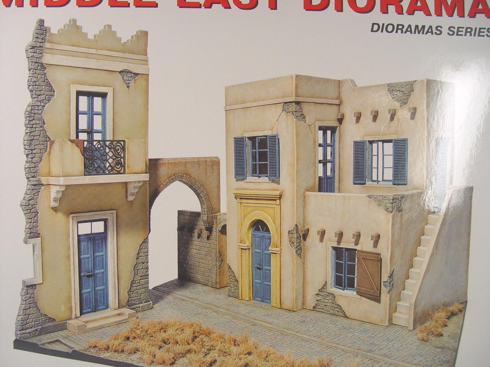 Häuser m. Straße u. Torbogen  (naher Osten)  - Mini Art Baus. 1 35 - 36056  E