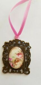 Amulet-Medallion-Roses-Approx-1-3-16in-Unique-Handarbeit-For-Bear-Or