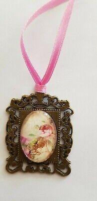 Amuleto, Medaglione, Rose, Circa 3 Cm-pezzo Unico, Interamente A Mano, Per Orso O Bambola-mostra Il Titolo Originale Non-Stireria