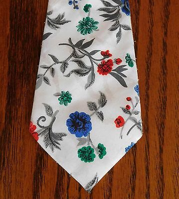 Vintage floral tie Folkespeare Bright flowers on white background Hand washable