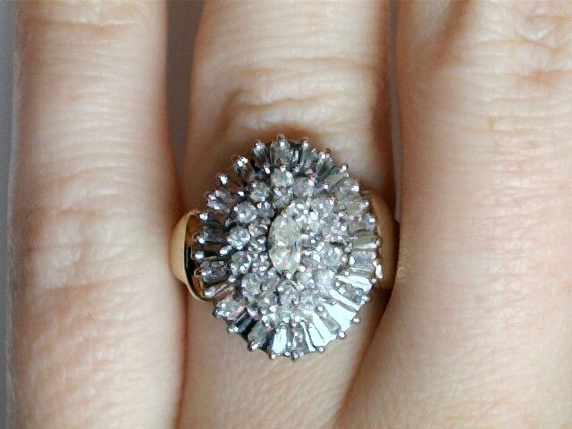 10k 2-tone Oval Shaped Diamond Cluster Ring 1396