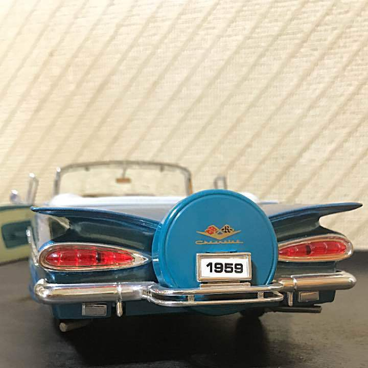 Very Rare  1959 Chevrolet Impala Congreenible Scale die cast toy From JAPAN