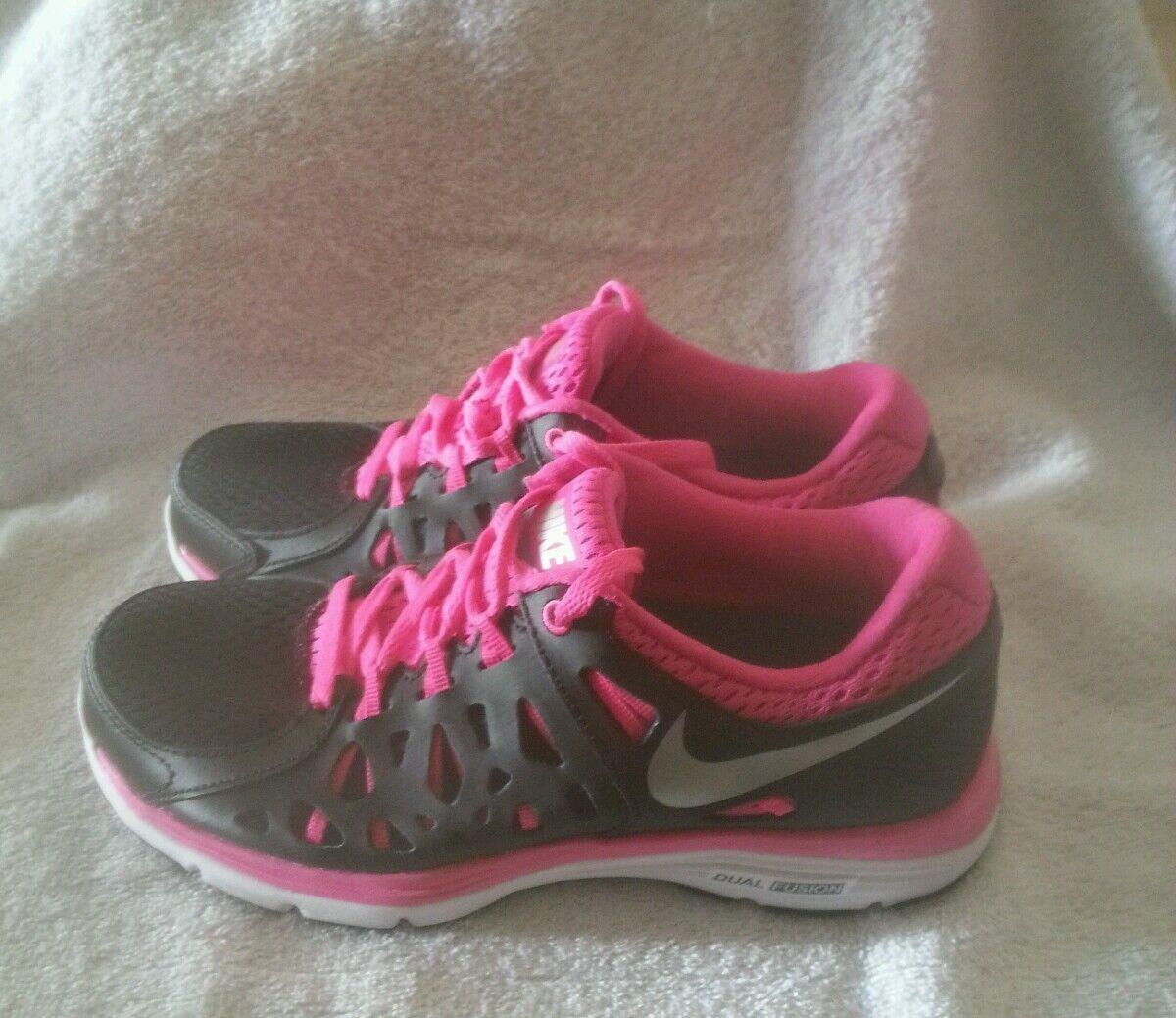 NIKE DUAL FUSION  WOMEN'S SIZE 6 RUN 2 BLACK/ METALLIC SILVER (599564-006) Schuhe