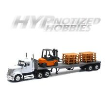 NEWRAY 1:43 DIE-CAST INTERNATIONAL LONESTAR FLATBED W/ FORKLIFT AND PALLET 16643