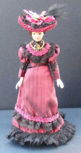 1-12-Scale-Victorian-Lady-In-A-Burgundy-Dress-With-Stand-Dolls-House-Miniature-C