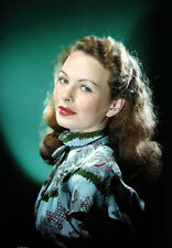 Jeanne Crain UNSIGNED photo - H7540 - GORGEOUS!!!!!