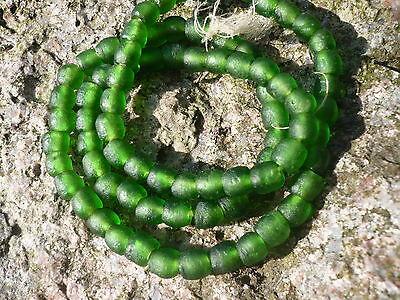 Strang Altglasperlen 10-11 mm flaschengrün Recycled Glass Beads Ghana Krobo