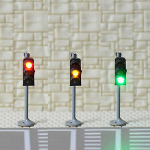 2-x-traffic-signal-light-N-scale-model-railroad-crossing-walk-pedestrian-GR3N