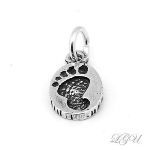 """SILVER FOOTPRINT CHARM WITH 18/"""" BOX CHAIN NECKLACE"""