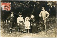 CARTE PHOTO. FAMILLE . CHASSEUR. FUSIL DE CHASSE  .HUNTER.  GUN. PHOTO CARD