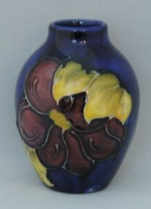 Moorcroft-Clematis-pattern-blue-ground-small-oriform-vase-impressed-9cm-tall