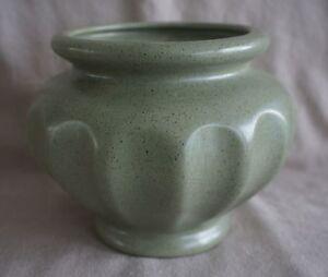 HAEGER-Speckled-Green-Glaze-VASE-PLANTER-Patent-Design-195-034