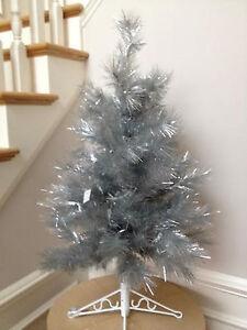 88 5704 42 Retro Silver Space Saver Artificial Christmas Tree White