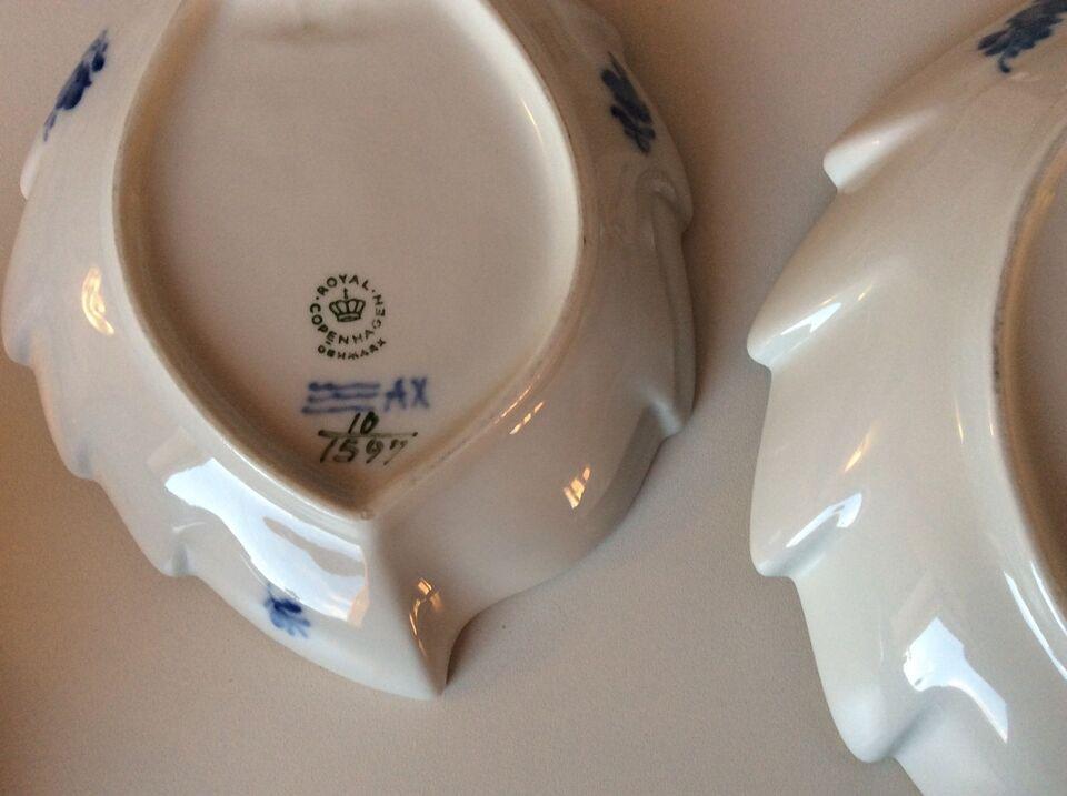 Porcelæn, Kaffestel, Blå blomst svejfet guldkant
