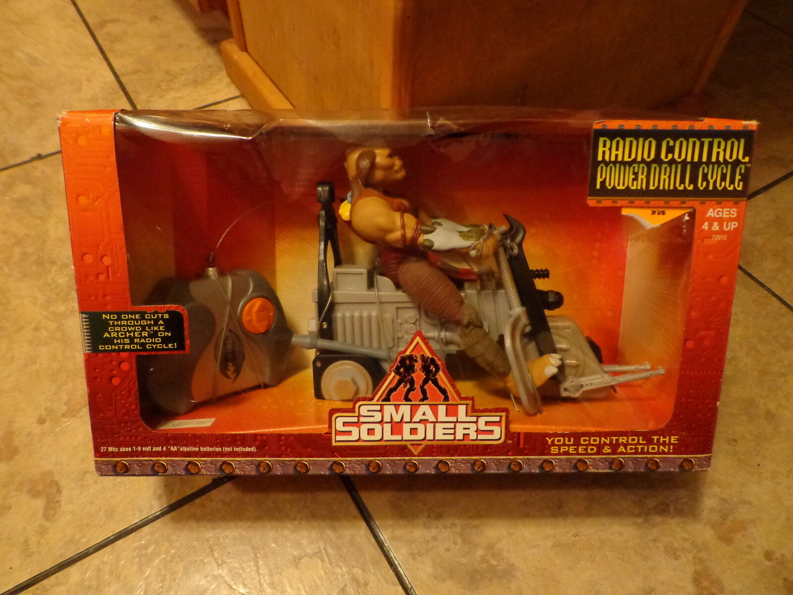 1998 KENNER--SMALL SOLDIERS MOVIE--RADIO CONTROL POWER DRILL CYCLE (NEW)