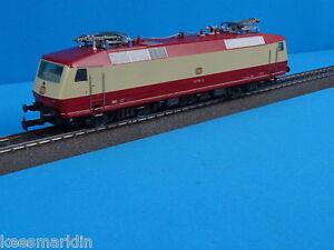 Marklin-3153-DB-Electric-Locomotive-Br-120-Ivory-Red
