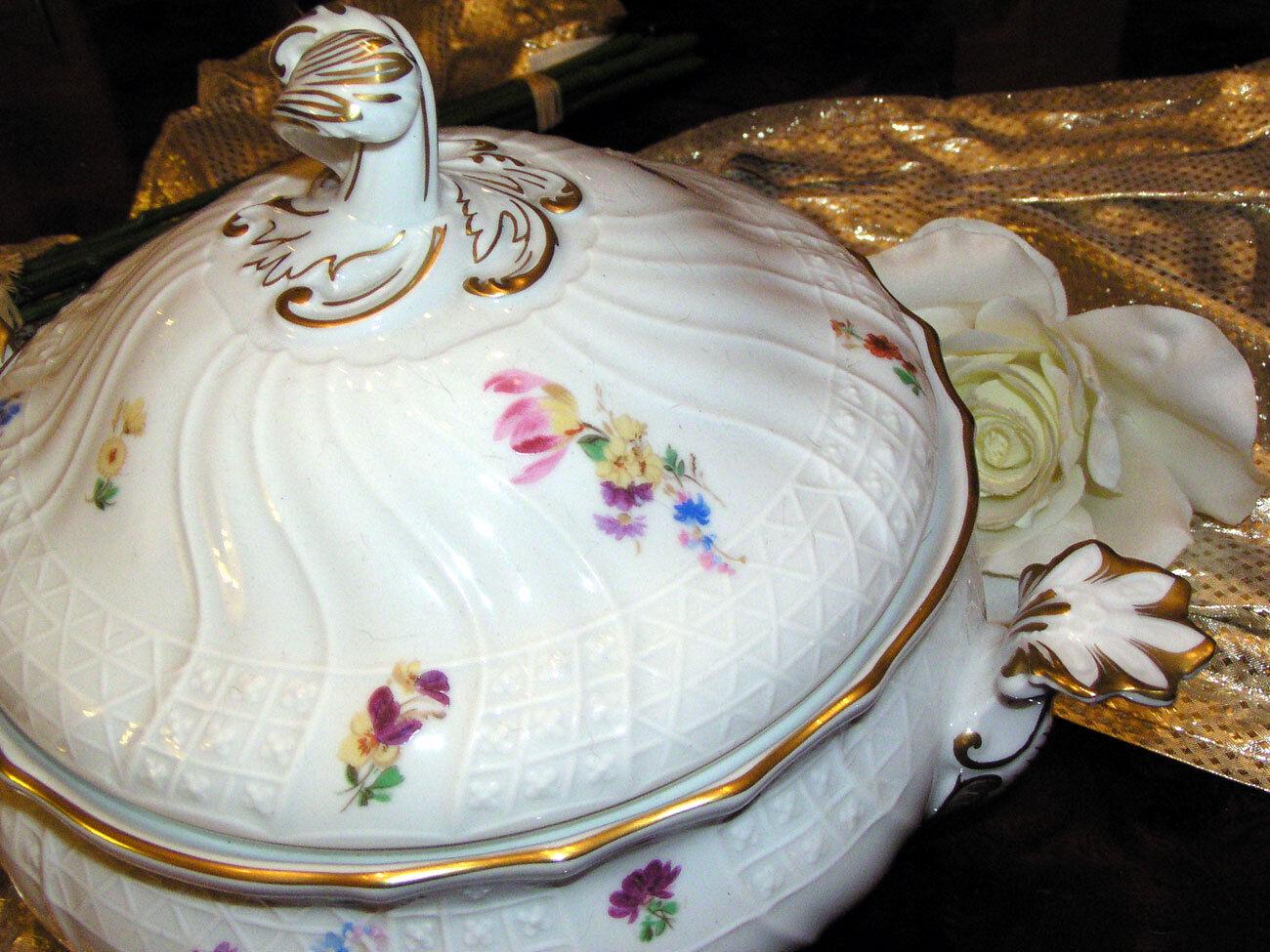 Noble grande soupière 3,0 litres HUTSCHENREUTHER Dresde Moritzburg