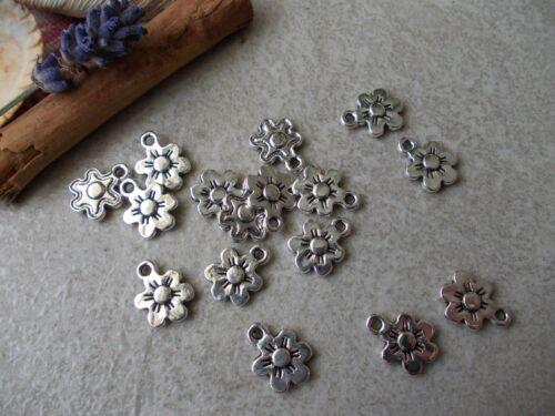 20 x Daisy Flower Silver Tibetan Metal Charms,pendant jewelery making,Sunflower
