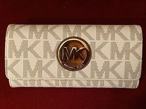 fd997c6e9d67 Image is loading Michael-Kors-Fulton-Carryall-MK-Signature-Wallet-Vanilla-