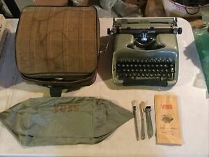 Green/Mint Voss De Luxe Portable Typewriter with Original Case, Manual & Accs