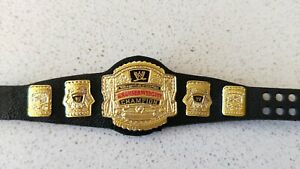 WWE-Wrestling-Cruiser-Weight-Champion-Belt-for-Figurine-only-New-Without-Box