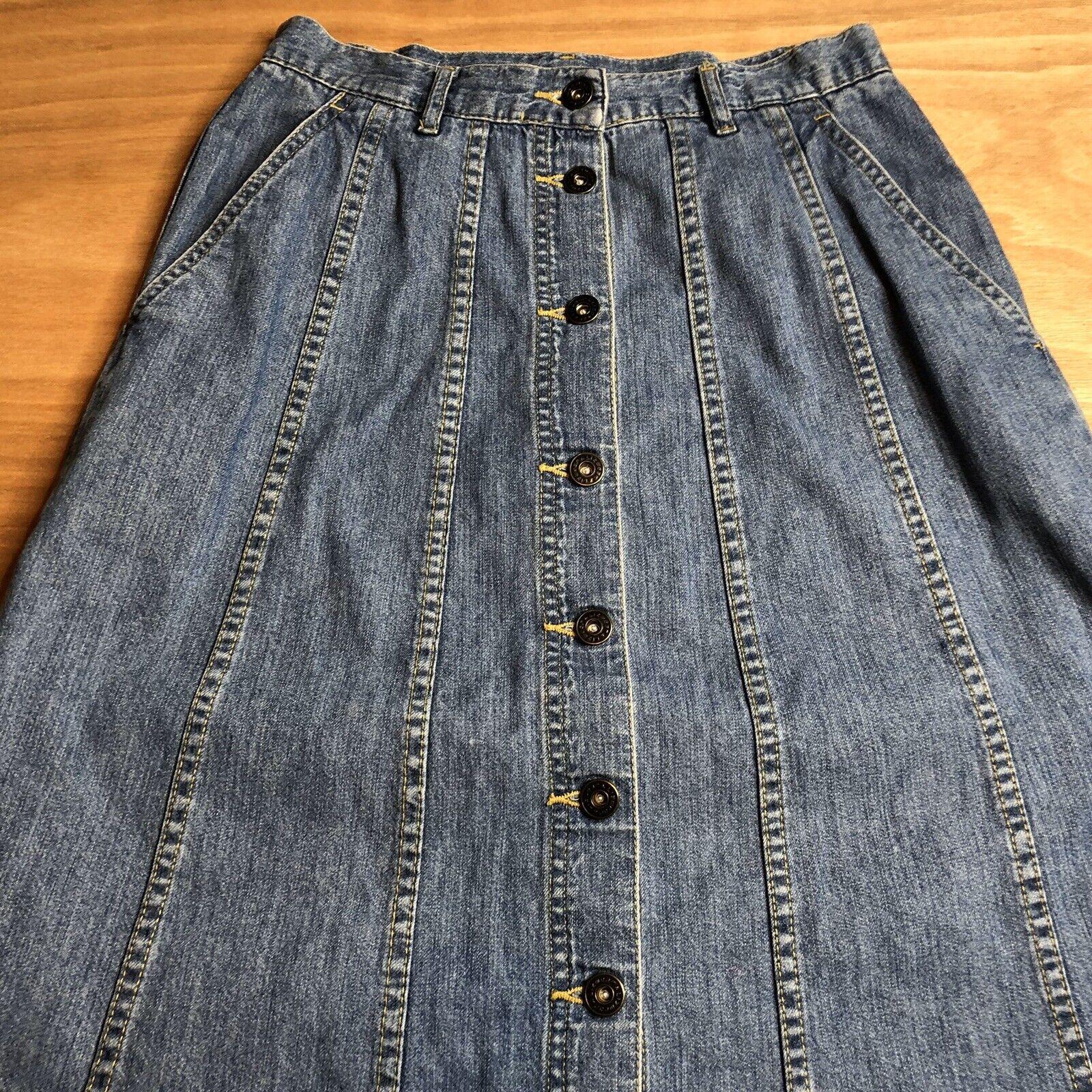 Vintage Lizwear Women's Petite Size 6 Denim Butto… - image 3