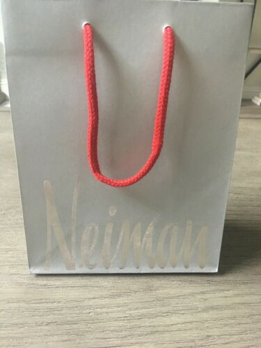 NEIMAN MARCUS Holiday Shopping Gift Paper Bag Red Rope Handles// Interior
