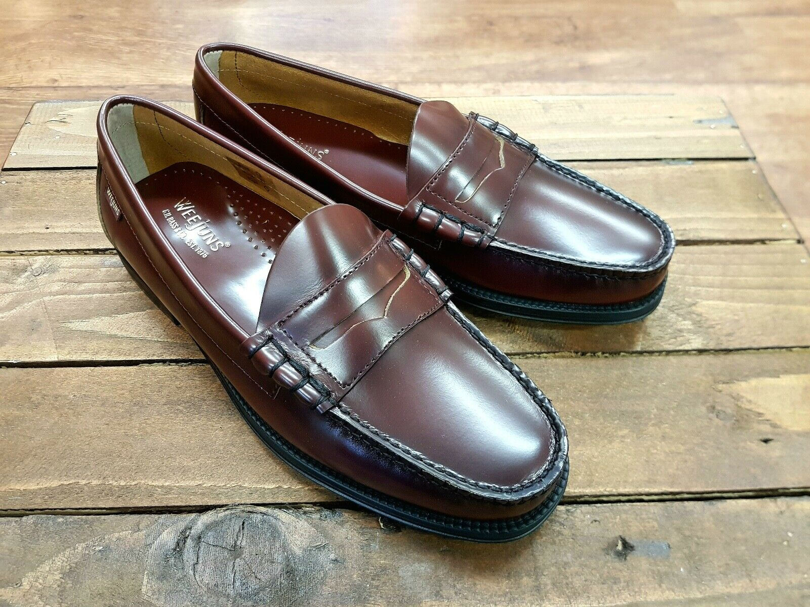 G H BASS & CO    Larson Moc Penny    Mens Wine Penny Loafers shoes    NEW