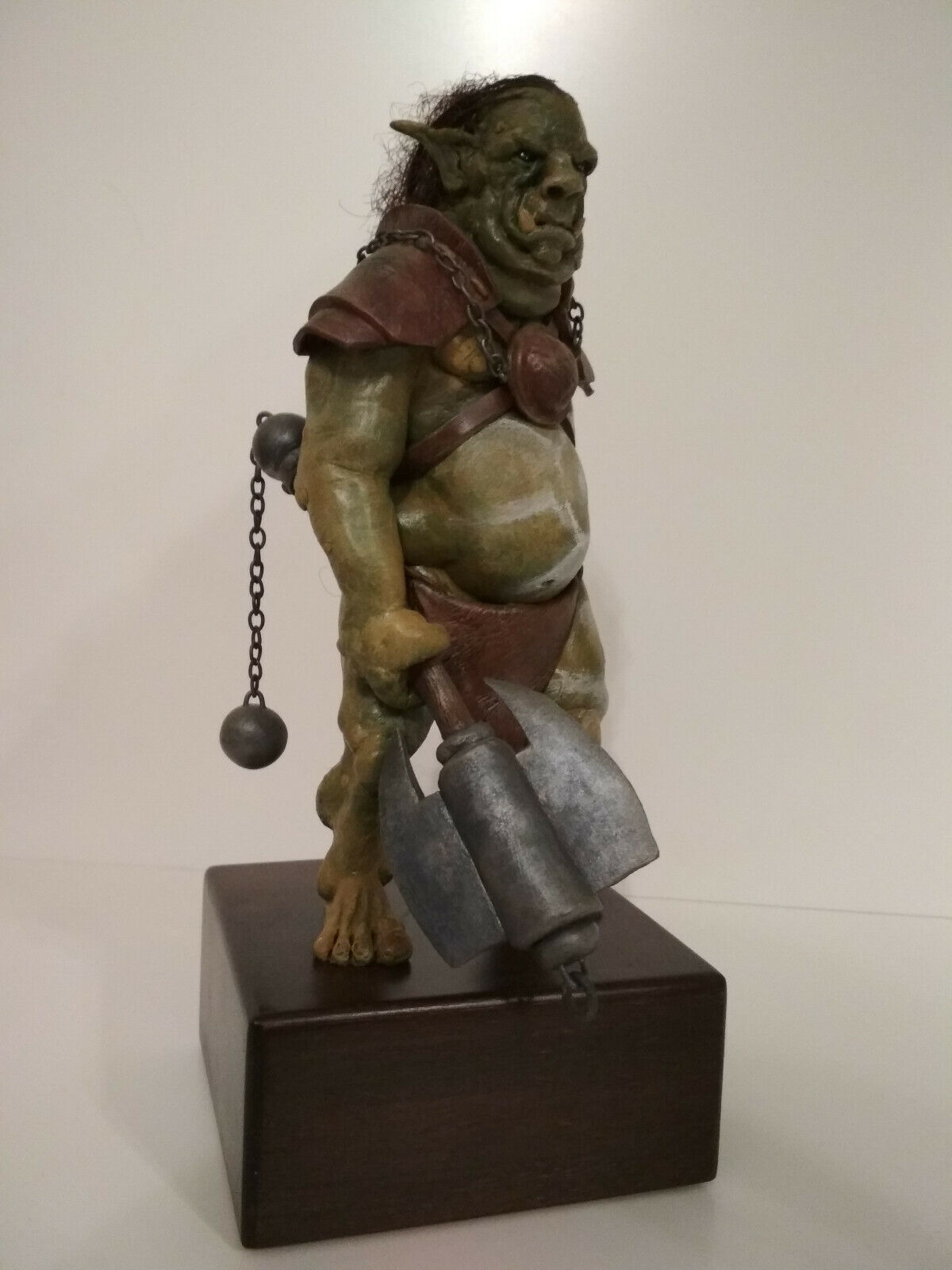 Orc with double axe - OOAK polymer clay sculpture sculpture sculpture 9ca749